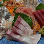 京成千葉駅から徒歩1分、鮮魚が自慢の居酒屋 おんじゅく丸 自慢の刺し盛り始め「これぞ千葉酒場!」と呼びたい、雰囲気抜群な居酒屋